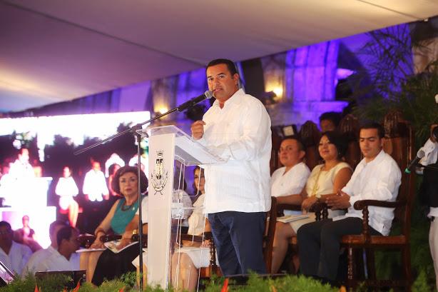 Mérida recibe premio a las Mejores Prácticas de Gobiernos Locales 2013