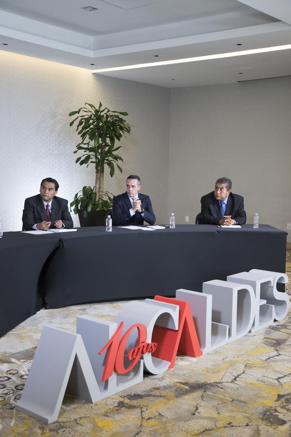 mesa de analisis Alcaldes TV-51