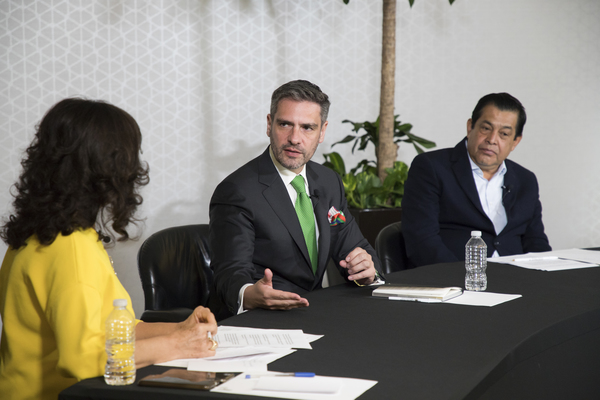 mesa de analisis Alcaldes TV-53