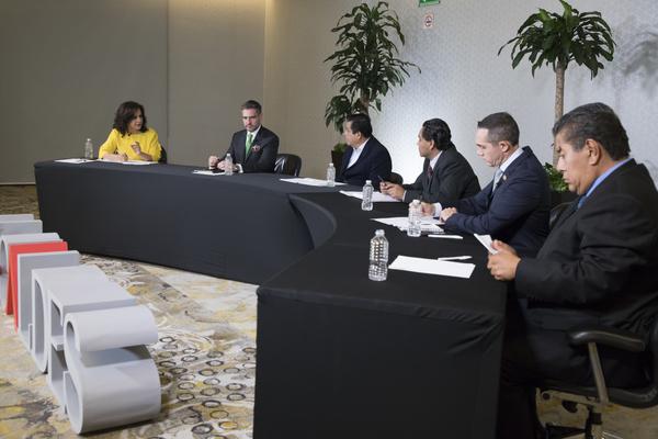 mesa de analisis Alcaldes TV-56